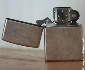20130516231814-zippo-windproof-lighter.jpg
